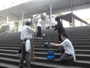 生徒会;校舎内清掃風景