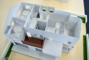 ― 吹き抜けのある居間をもつ専用住宅 ―