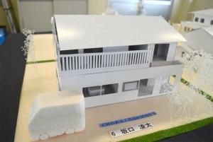 ―高齢者が集う趣味室のある二世帯住宅―